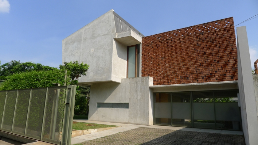 Widjanarko House 1 - photo by Wendy Djuhara copy