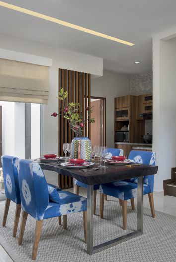 ARY JUWONO MEMBAWA SHIBORI KE DALAM RUMAH TAHAN GEMPA CIPUTRA TOYOTA HOUSING INDONESIA DESAIN INTERIOR HOME DECOR DSGNTALK ARSITEKTUR ARCHITECTURE