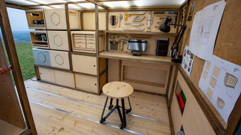NISSAN NV300 CONCEPT VAN BENGKEL MOTOR SHOW DESAINER MOBIL OTOMOTIF DESAIN PRODUCT DESIGN WOODWORKING CARPENTER TOOLS HARDWARE WORKSHOP JAPA