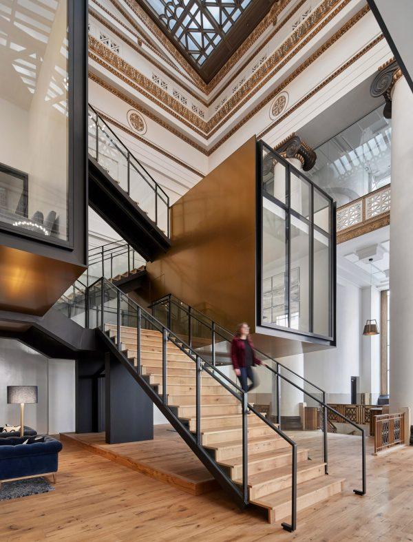 ZGF ARCHITECTS DESAIN INTERIOR MODERN DESIGN KANTOR EXPENSIFY OFFICE GEDUNG BERSEJARAH DI PORTLAND DSGNTALK HERITAGE ARSITEKTUR ARCHITECTURE DECOR