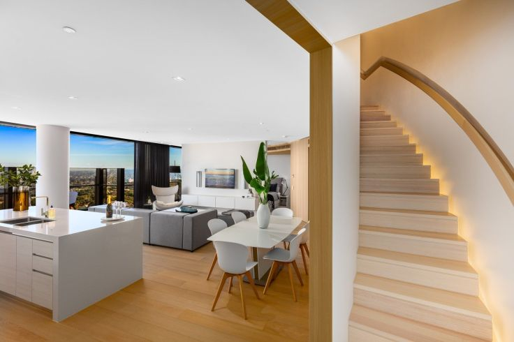 PENTHOUSE INTERIOR DECOR MEWAH SKYE BY CROWN GROUP DENGAN PEMANDANGAN INDAH KOTA SYDNEY DSGNTALK