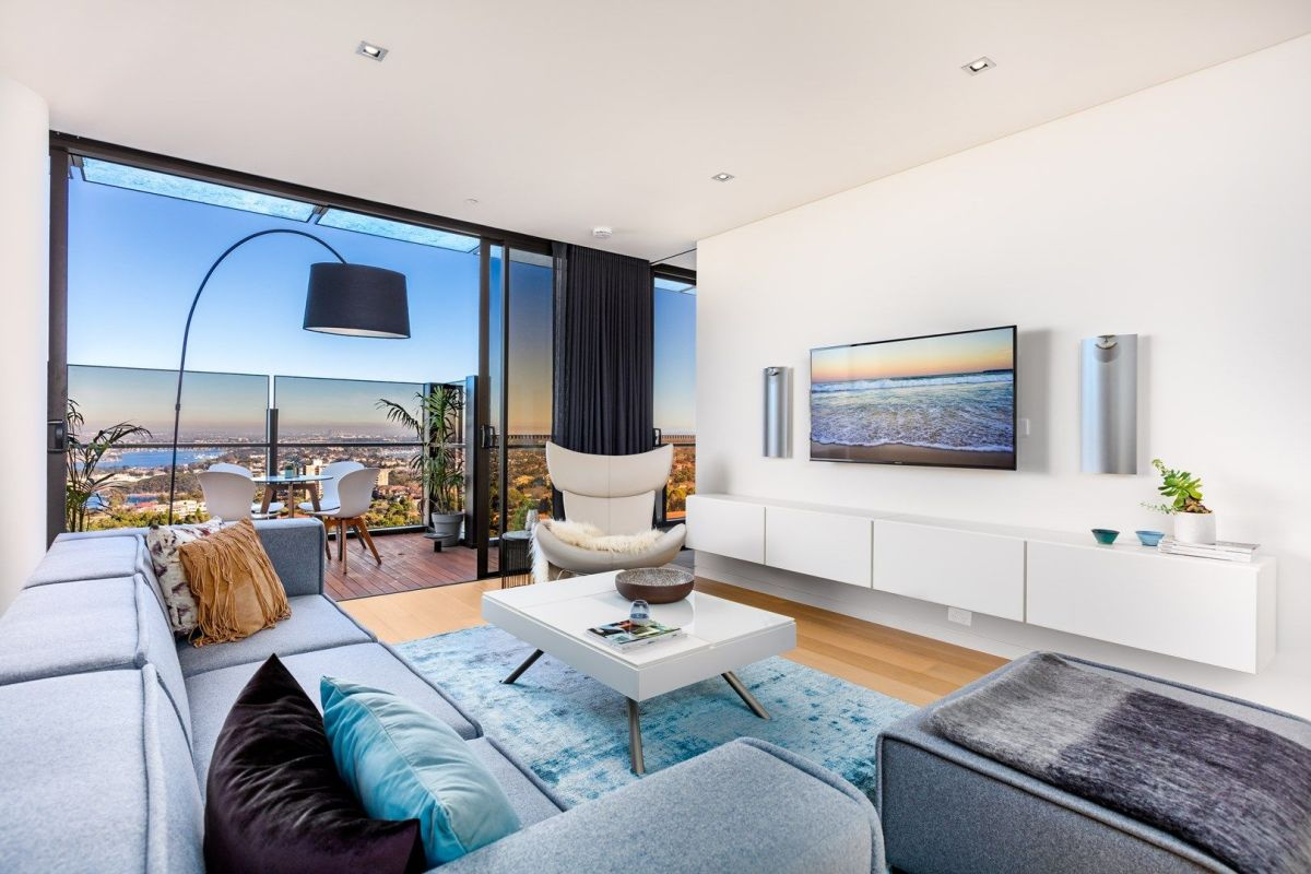 pENTHOUSE MEWAH SKYE BY CROWN GROUP DENGAN PEMANDANGAN INDAH SYDNEY HARBOUR