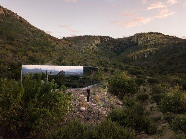 RUMAH CERMIN TERPENCIL YANG RAMAH LINGKUNGAN DSGNTALK MEXICO SUSTAINABLE ARCHITECTURE INTERIOR DESIGN