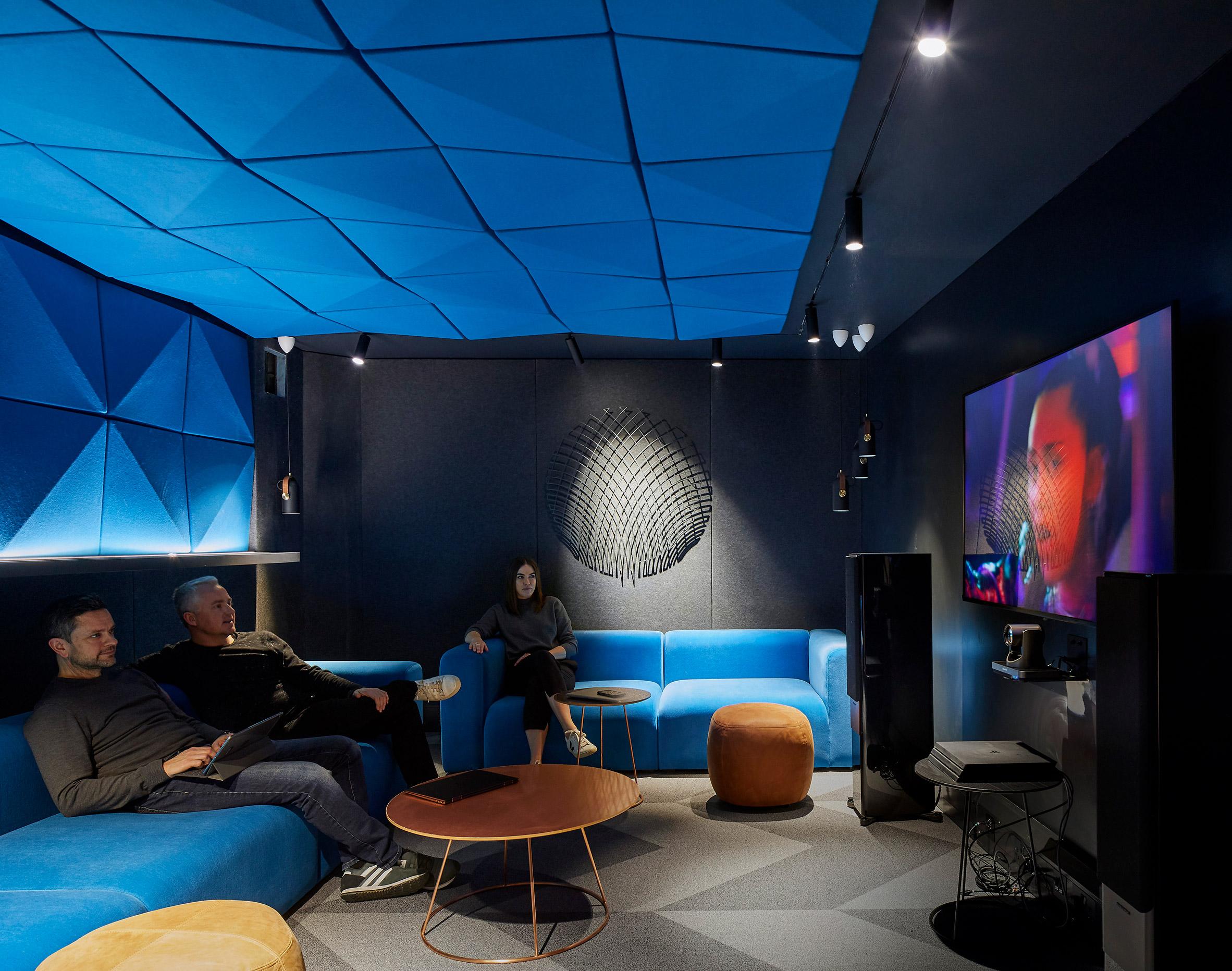 ADAPTASI KENYAMANAN RUMAH UNTUK KANTOR SPOTIFY DSGNTALK INTERIOR OFFICE DESIGN MUSIC WORK FROM HOME