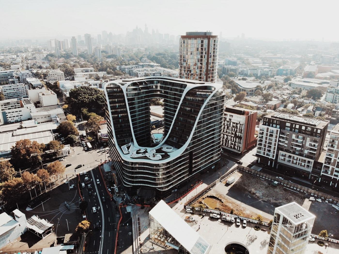 BANGUNAN UNIK INFINITY BY CROWN GROUP KEMBALI MEMENANGKAN PENGHARGAAN DI AUSTRALIA DSGNTALK SYDNEY ARSITEKTUR AWARDS DESIGN ARCHITECTURE