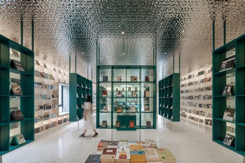 BARISAN AWAN DI TEPI SUNGAI YONGNING DSGNTALK BOOKSTORE CHINA ARCHITECTURE INTERIOR DESIGN COURTYARD